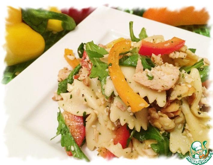 Рецепт: Восточный салат с пастой и курицей