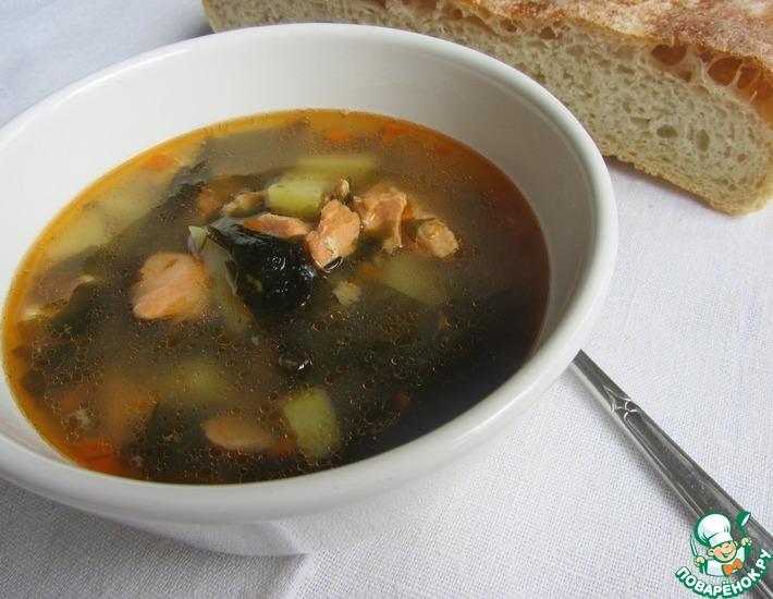 Рецепт: Суп рыбный с кальмаром и вакамэ