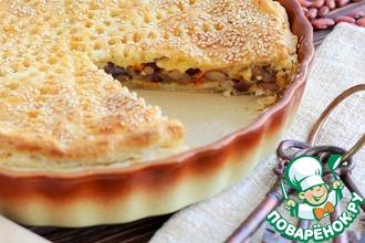 Рецепт: Пирог с фасолью, грибами и сыром