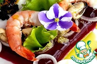 Рецепт: Салат с морепродуктами на свекольном желе