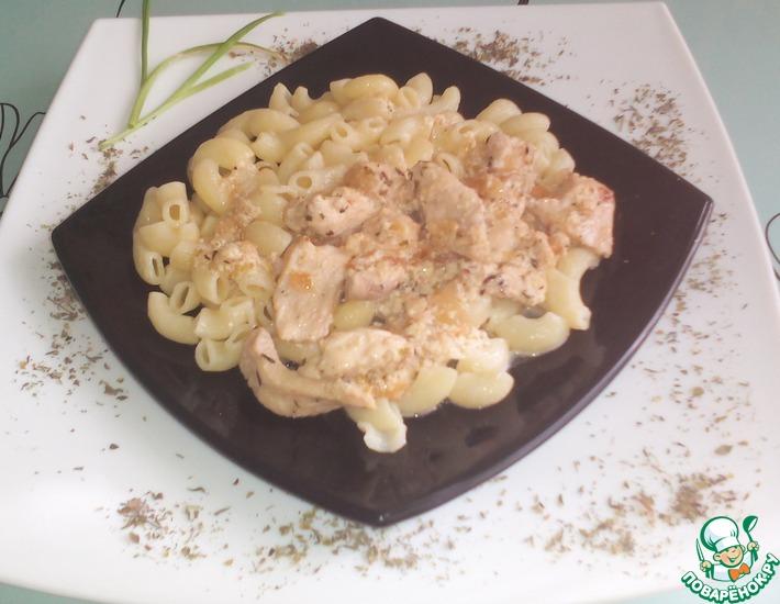 Рецепт: Куриные грудки в сливочно-чесночном соусе