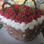 Торт Корзина с лесной земляникой