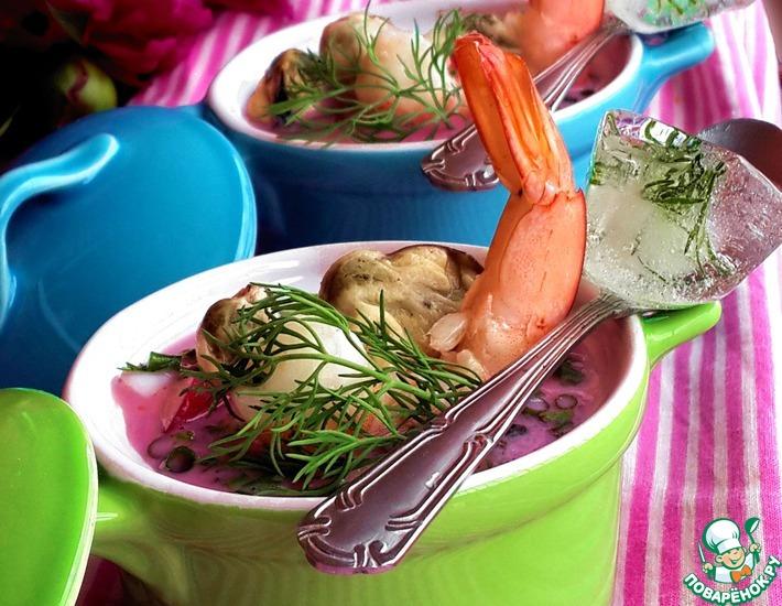 Рецепт: Окрошка с морепродуктами на свекольном соке
