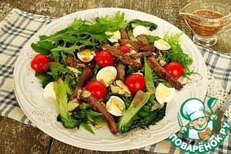 Рецепт: Салат с капустой пак-чой и мраморной говядиной