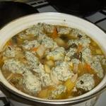 Суп из сельдерея с куриными клецками