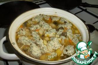 Рецепт: Суп из сельдерея с куриными клецками