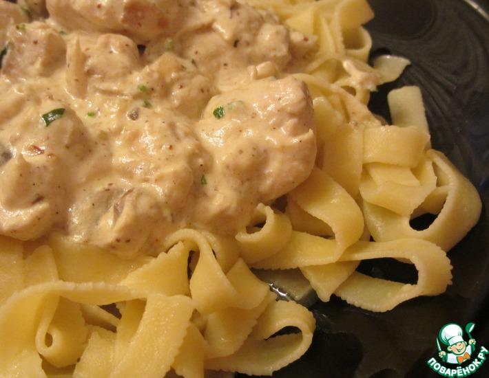 Рецепт: Куриное филе в сливочном соусе с эстрагоном