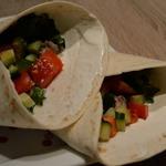 Бурито с фаршем, овощами и табаско