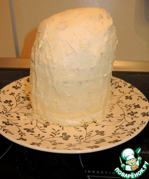 Cake to get them of the refrigerator, and apply evenly to the entire surface of light cream 2.