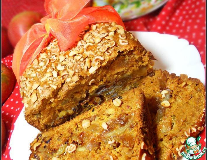Рецепт: Карамельный пирог с яблоками, изюмом и арахисом