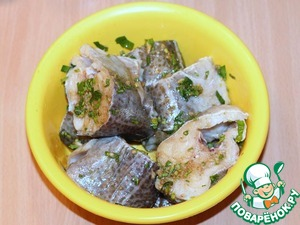 Fish is cleaned and cut into pieces (tol. ~3 cm), cover with marinade and leave for at least 1 hour (in the fridge).