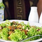 Теплый салат с грибами