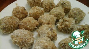Сладкие гороховые шарики обваливаем в кокосовой стружке.