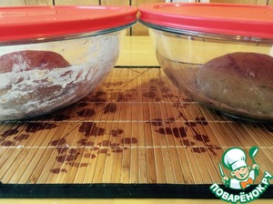 Cover the dough (not tight) and leave in a warm for 1 hour.
