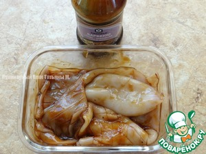Marinate the squid in the sauce-marinade Barbecue for 15 minutes;