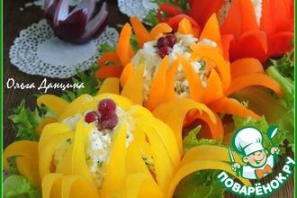 Рецепт: Рисово-сырная закуска в цветках из перца