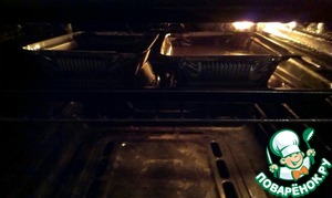 """Put the oven on max and wait for the beautiful, as it were, burnt crust. But chocolate is a little harder because the light visible crust, and the chocolate there, so I suggest you do both, note the time once to in the future already know)My oven is so """"prehistoric"""" that this case took almost an hour"""""""