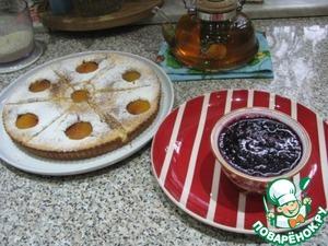 Я успела приготовить сегодня к приходу гостей не только конфитюр, но и пирог с консервированными персиками.