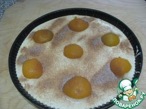 Посыпать сахаром (смешанной с корицей ). Разложить пластины сливочного масла по всему диаметру, и поставить в заранее разогретую до 200*, на 30 минут.