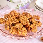 Орехи в пряной глазури