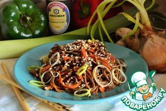 Рецепт: Соба с шампиньонами и морковью