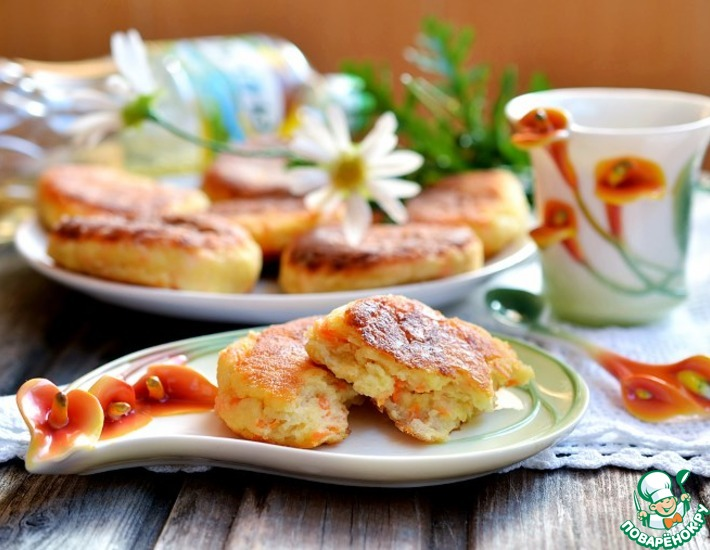 Рецепт: Творожники с морковью и яблоком
