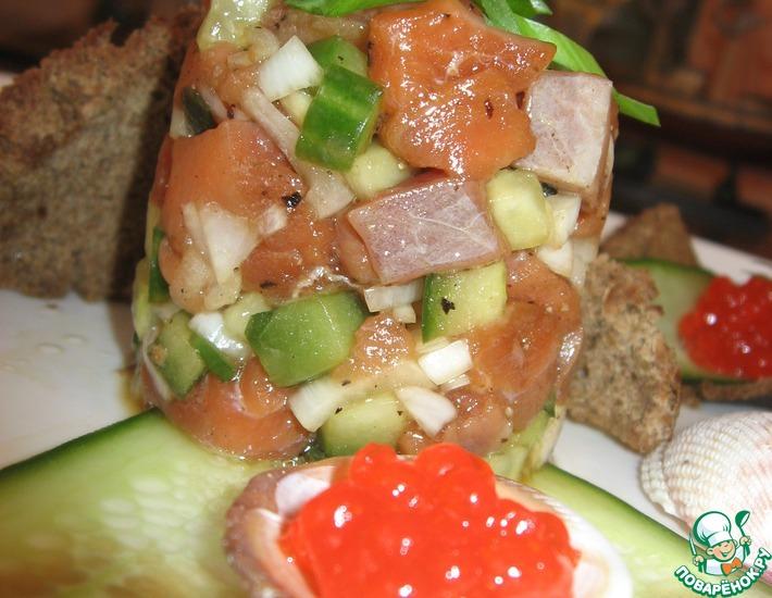 Рецепт: Тартар из лосося с огурцом