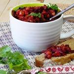 Закуска из жареных баклажанов, нута и свеклы