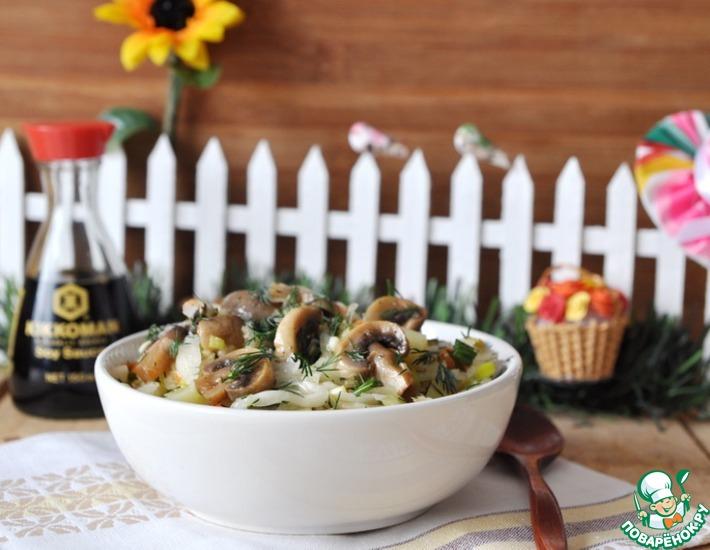 Рецепт: Салат Деревенский с маринованными шампиньонами
