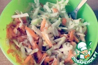 Рецепт: Сладкий салат с яблоком и морковью