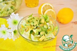 Рецепт: Зелёный салат с лимонной заправкой
