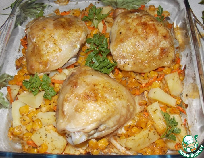 Рецепт: Курочка на картофельно-кукурузной подушке