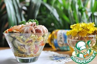 Рецепт: Салат с маринованными морепродуктами Взморье