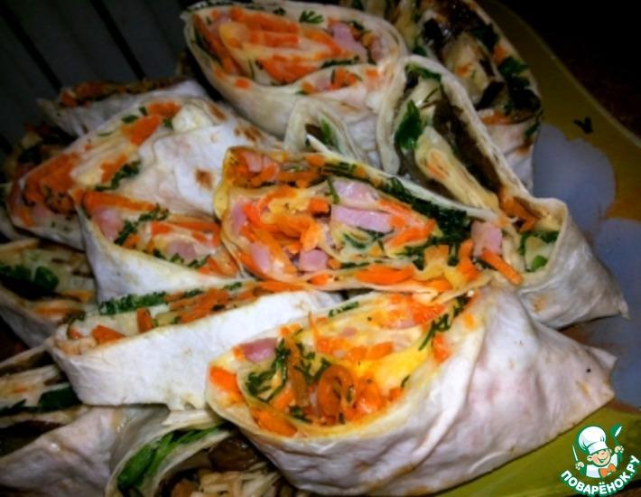 Рецепт: Рулеты из лаваша с ветчиной и морковью