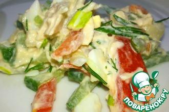 Рецепт: Салат с курицей и маринованным луком