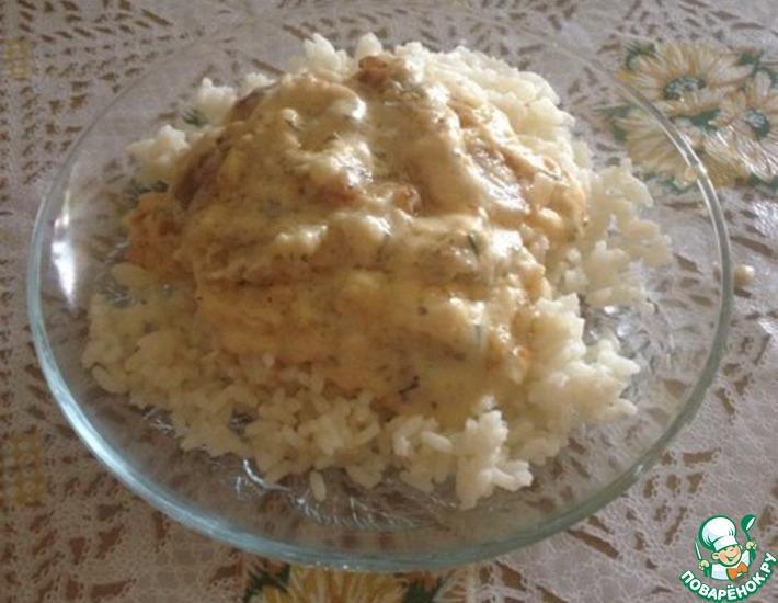 Рецепт: Филе минтая в сырно-сливочном соусе