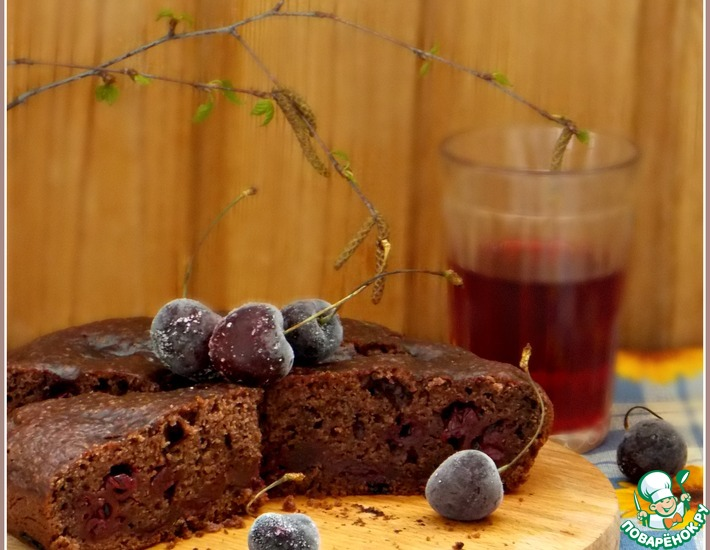 Рецепт: Постный вишневый пирог в мультиварке