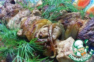 Рецепт: Шашлычки на сковороде из куриной печени