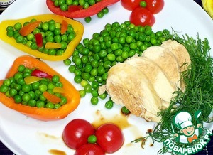 Tender chicken goes well with green peas and soy sauce is Kikkoman. Fillet you can pour sauce or slices to dip in the sauce.