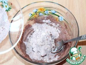Вмешиваем по-немногу 4 ст. л. сухой смеси в фасолевую массу. Должно получится очень мягкое, пластичное тесто. 1 ст. л. сухой смеси оставляем.