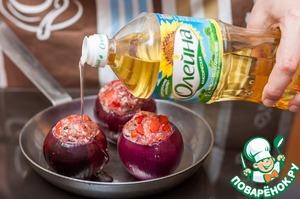 Сложить в форму для запекания и сбрызнуть растительным маслом Олейна. Запекать в разогретой до 175С духовке 40-45 минут.