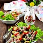Салат с фасолью и морепродуктами Первые цветы