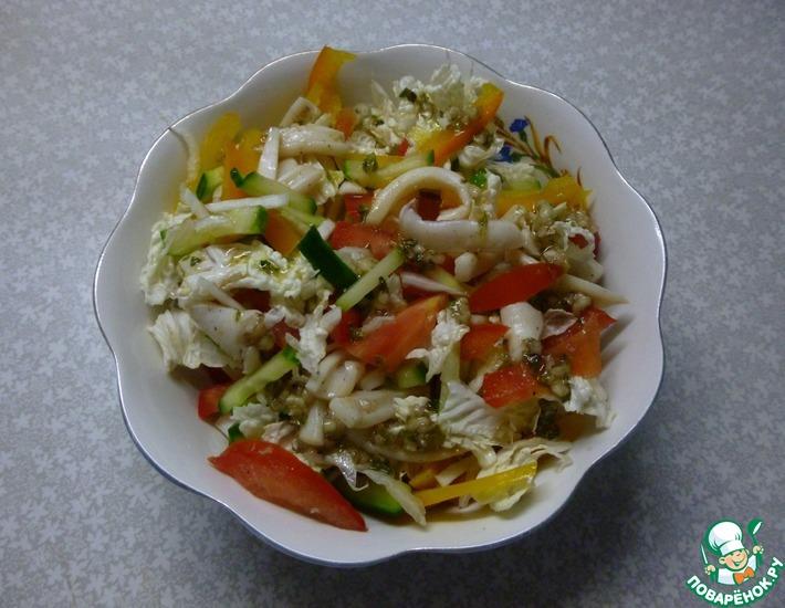 Рецепт: Греческий салат с кальмарами