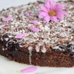 Шоколадно-вишнёвый пирог со штрейзелем