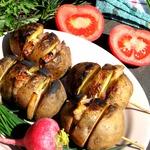Картошка на мангале с салом
