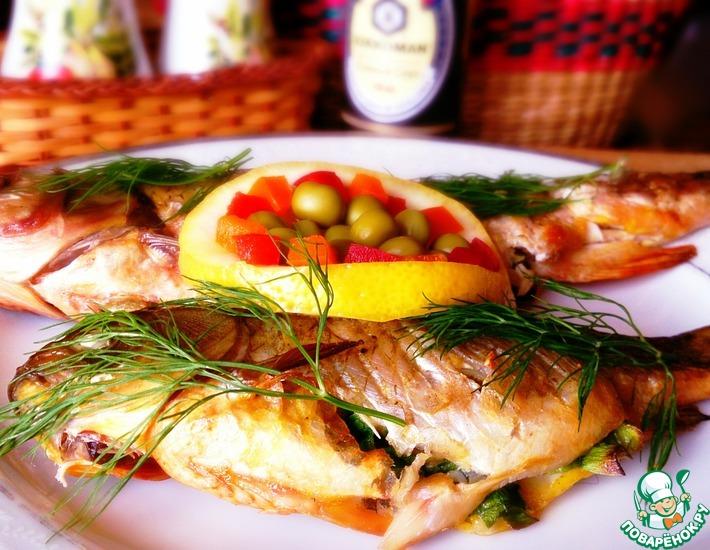 Рецепт: Фаршированная рыба на решетке
