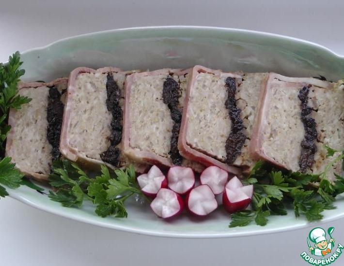 Рецепт: Террин из свинины с черносливом