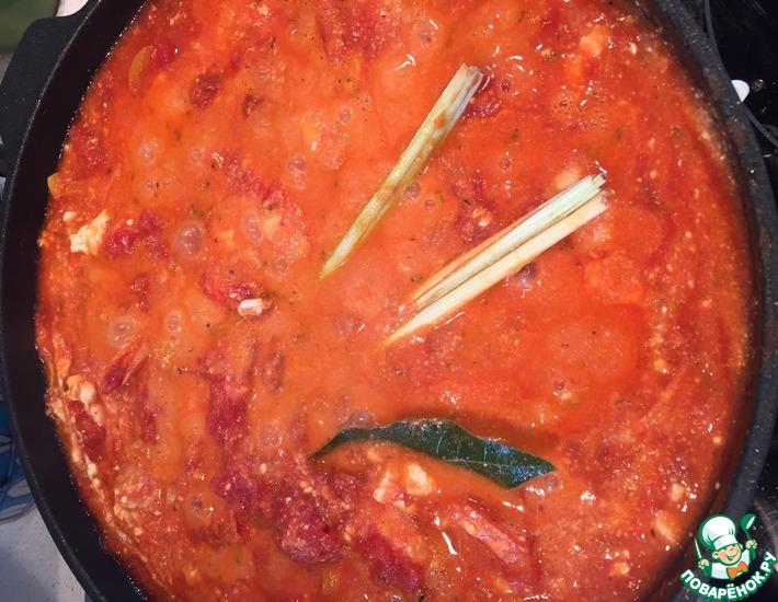 Рецепт: Креветки по-критски с томатами и сыром