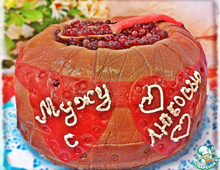 Рецепт: Торт Бочонок с икрой из бисквита на сгущенке
