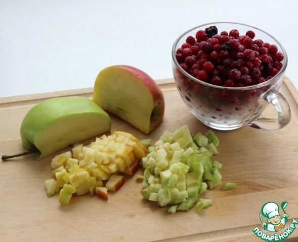 Кекс с брусникой, яблоком и тыквой